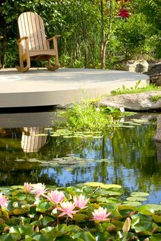 In my humble opinion, you can& have an outdoor paradise without a backyard pond. Enjoy this roundup of refreshing examples of outdoor spaces. Backyard Garden Landscape, Modern Backyard, Large Backyard, Ponds Backyard, Pool Landscaping, Garden Ponds, Backyard Waterfalls, Koi Ponds, Big Garden