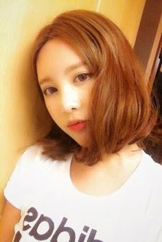 T-ara's pretty Qri sports her new short hairstyle