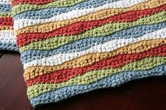 Wavy Blanket by tartlime. Free pattern by Stephanie Gage.