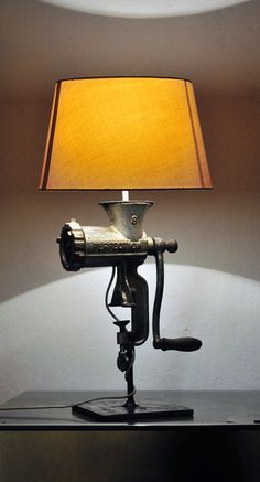 Meat mincer lamp The Effective Pictures We Offer You About Solar Light Crafts jar lanterns A qu. Solar Light Crafts, Diy Solar, Diy Home Crafts, Diy Home Decor, Industrial Style Lamps, Solar Licht, Old Chandelier, Jar Lanterns, Pipe Lamp
