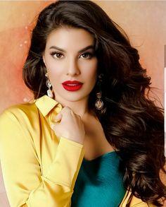 Mahira Khan, Hindi Actress, Cute Love Couple, Indian Artist, Jacqueline Fernandez, Bollywood Actors, Elegant Dresses, Actors & Actresses, Beautiful Women
