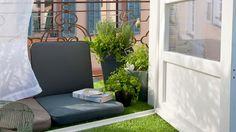 Amazingly-Pretty-Decorating-Ideas-for-Tiny-Balcony-Spaces_03