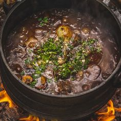 Pinotage Potjie Tomato Pesto, One Pot Dishes, Pickled Onions, Sun Dried, Stir Fry, Allrecipes, Red Wine, Stuffed Mushrooms, Beef