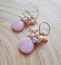 A lovely pair of cluster earrings, featuring wire wrapped faceted gemstone briolettes of your choise (you can choose gemstones from photo 10), topped with a rich cluster of lustrous freshwater pearls that have been wire wrapped with 14 K gold vermeil ball headpins. The freshwater