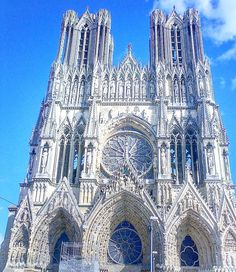 Notre Dame de Reims, where the kings of France were crowned(2007 pic)!!!#awesome #cathedral #catedral #reims #roi #king #blogger #blogoftheday #styleblog #art #arte #arquitectura #arquitecture #coronation #streetphotography #elegant #france #instaart #instapic #instastyle #photooftheday #picoftheday #pictureoftheday #view #instaview #top #traveler #travel #instatravel #travelgram @ig_france