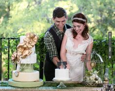 Neato - Peter Pan themed wedding | The Frosted Petticoat Blog | CHECK OUT MORE GREAT GREEN WEDDING IDEAS AT WEDDINGPINS.NET | #weddings #greenwedding #green #thecolorgreen #events #forweddings #ilovegreen #emerald #spring #bright #pure #love #romance