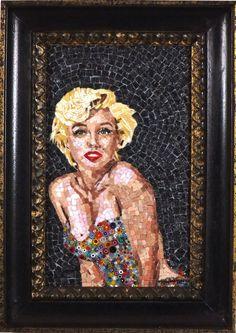 TItolo ( Marilyn Monroe) Mosaico in marmi, smalti veneziani e millefiori 20x33,5 + cornice in legno 2014 n°92.JPG