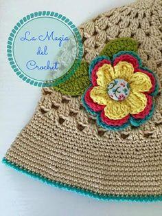 Nos preparamos para el verano tejiendo sombreros para el sol 7248e5f9d70