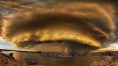 Шторм над озером в Прескотт, штат Аризона. Фотография Боб Ларсон