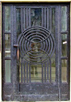 Abstract solar motif design Art Deco style Doorway dating from the late Romana area, Bucharest - Romania ©Valentin Mandache Cool Doors, Unique Doors, Art Deco Design, Motif Design, Art Nouveau Arquitectura, Gates, Art Deco Door, When One Door Closes, Inspiration Art
