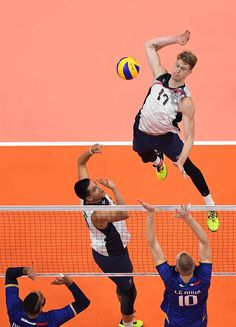 NBC Olympics Retweeted USA Volleyball ‏@usavolleyball Aug 13 Rio de Janeiro, Brazil U.S. Men win 2nd set 25-22 to lead 2-0. France leads kills 30-27. US Leads blocks 9-2, aces 3-1. #Rio2016