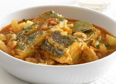 salt cod (bacalao) braised w/ vegetables Cooking Beets In Oven, Meat Cooking Times, Cooking Pasta, Shellfish Recipes, Seafood Recipes, Lunch Recipes, Cooking Recipes, Healthy Recipes, How To Cook Shrimp
