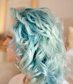 174233079304075042 7Bnp0g2n c zps9d3eca63 Blauw of paars haar, zou jij 't doen?