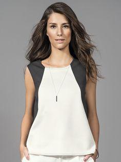 ef92937d1 Blusa Feminina Na Modelagem Mullet Com Recortes Em Cor Contrastante