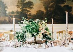 A stunning classical wedding inspiration shoot at a romantic castle in the Netherlands by Raisa Zwart Photography