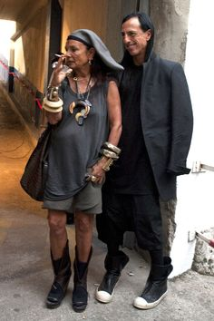 // Michele Lamy & husbend Rick Owens - inventive trendsetters in fashion & design Fashion Couple, Fashion Week, Fashion Photo, Boho Fashion, Fashion Outfits, Mens Fashion, Fashion Design, Rick Owens, Gareth Pugh