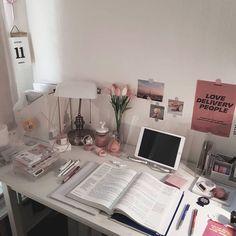 𝚌𝚛𝚢𝚜𝚝𝚊𝚕˚✧₊ Study Room Decor, Cute Room Decor, Room Ideas Bedroom, Study Rooms, Desk Inspiration, Desk Inspo, Kawaii Room, Study Space, Study Areas