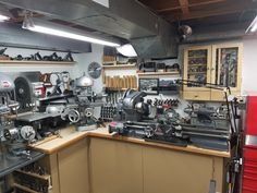 Basement Workshop, Machinist Tools, Milling Machine, Shop Organization, Drill Press, Shop Layout, Old Tools, Garage Shop, Country House Plans
