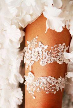 Ivory Lace Garter Wedding Garter Bridal Garter Set  Vintage