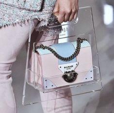 A Balmain bag to hold ur other bag - hype - Beutel Luxury Purses, Luxury Bags, Chloe Bag, Balmain Bag, Balmain Blazer, Balmain Dress, Balmain Sweater, Balmain Shoes, Balmain Jacket