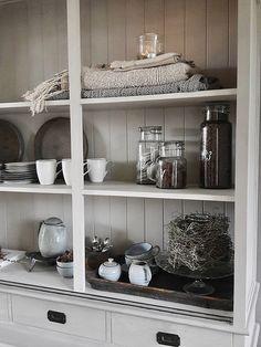 Landelijk wonen grijze kast China Cabinet, Bookcase, Interior Decorating, Sweet Home, New Homes, Shelves, Living Room, Storage, Inspiration