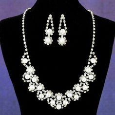 #DDBridalStyle     Amelia Necklace and Earring Set