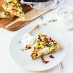 Frittata with Asparagus, Bacon and Goat Cheese Cheese Frittata Recipe, Frittata Recipes, Asparagus Bacon, How To Cook Asparagus, Brunch Egg Dishes, Keto Recipes, Healthy Recipes, Healthy Food