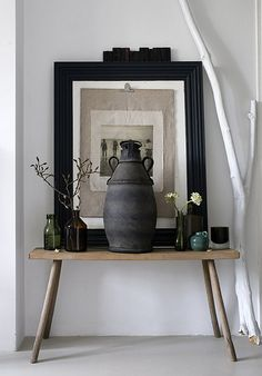 oversized piece and un hung photo adds great charm to this entryway Estilo Interior, Interior Styling, Interior Design, Design Entrée, House Design, Design Ideas, Casa Loft, Home And Deco, Console Table