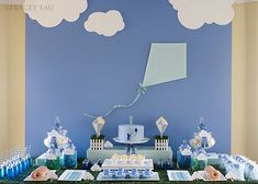 I've never met Tracey Lau, butI'm pretty sureshe is a creative genius! She designed this dessert table for her son's 1st birthday and it is nothing short of spectacular! When you look at the big picture you feel like you are literally in a park, and when you inspect the details, they are unlike anything …
