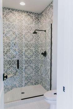 Pretty tile- Villa Bonita Project Reveal with Fireclay Tile Bathroom Renos, Bathroom Interior, Small Bathroom, Master Bathroom, Open Concept Home, Fireclay Tile, Wet Rooms, Shower Floor, Bathroom Inspiration