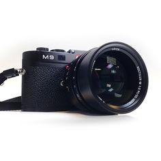 Leica M9 (via FICTION)