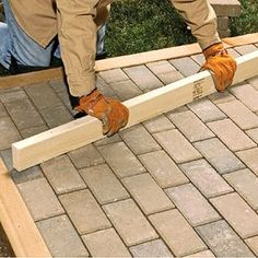 How to Lay a Mortared Brick Patio A beautiful patio is within your reach. With our help, you'll learn where and how to start laying bricks for a mortared brick patio. Brick Driveway, Brick Path, Brick Garden, Paver Walkway, Brick Pavers, Garden Path, Cement Patio, Patio Wall, Diy Patio