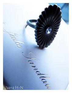 Julie Sandlau & Pieces silver collection.  Jana ring, oxidized sterling silver Oxidized Sterling Silver, Bracelets, Rings, Accessories, Collection, Jewelry, Fashion, Moda, Jewlery