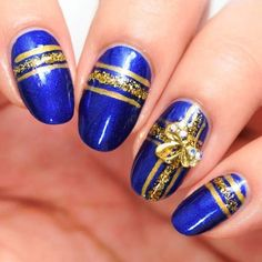 The whole point of blue nail paint is that it looks so cool and casual. You can use a combination of two or three shades of blue in simple ...