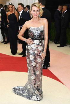 Fred Leighton - Naomi Watts wore Fred Leighton jewelry.