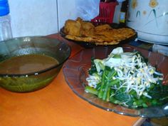 Indonesian food pecel and gorengan