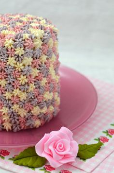 very clever and original icing technique - i may just have to try this! what a gorgeous combination of colours. Pretty Cakes, Beautiful Cakes, Amazing Cakes, Crazy Cakes, Cake Icing, Buttercream Cake, Pastry Design, Frosting Techniques, Cake Pops