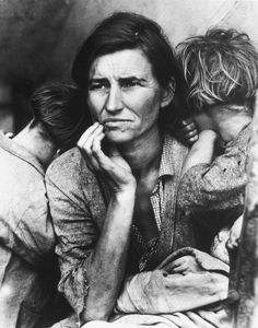 Dorothea Lange, This photograph of Florence Owens Thompson year old mother of is one of the great representations of the Great Depression. The photograph was taken by Dorothea Lange after Florence had sold her tent to provide food for her children. John Malkovich, Annie Leibovitz, Walker Evans, Library Of Congress, Library Card, Photo Library, Iconic Photos, Old Photos, Sebastiao Salgado