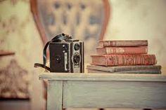 Resultados de la Búsqueda de imágenes de Google de http://laalfombrarosa.mx/wp/wp-content/uploads/2013/07/Vintage-books-soiree.jpg