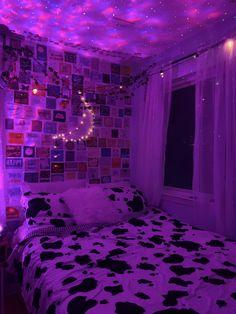 Grunge Bedroom, Neon Bedroom, Room Design Bedroom, Room Ideas Bedroom, Bedroom Decor, Bedroom Ceiling, Chambre Indie, Indie Room Decor, Chill Room