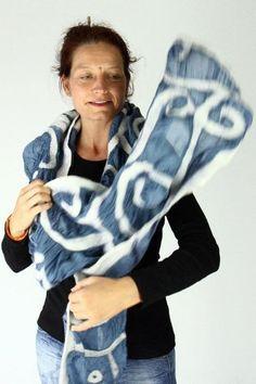 Gallery.ru / Фото #92 - ARIANE SROKA - renew Silk Wool, Silk Fabric, Wool Scarf, Warm And Cozy, Tie Dye, Hands, This Or That Questions, How To Wear, Gallery