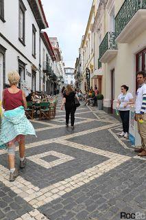 calçada portuguesa, desenhos, simetrias, Furnas, Ilha São Miguel, pedra vulcânica, Ribeira Grande, Açores, calçada artística