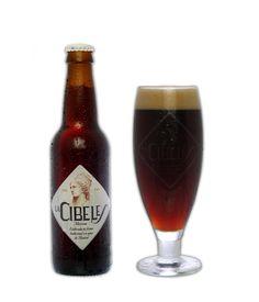 Cerveza La Cibeles (Morena). Se fabrica en Alcorcón (Madrid). Hoy me he comprado un par y cuando la pruebe os cuento.