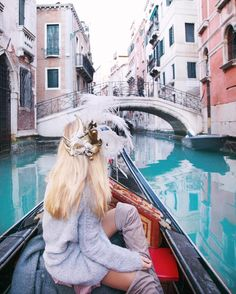 """3,605 Likes, 210 Comments - ✌︎AGGIE LAL✌︎gypsy soul 🇺🇸🇵🇱 (@travel_inhershoes) on Instagram: """"The Magic of Venice... ✨✨ • Now you have a choice: you can look at this photo and think - wow she's…"""""""