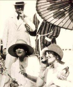 José Maria sert, sa femme Misia et Chanel sur la plage du Lido, venise