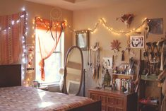 NEST // BEDROOM  ***looks at the ways things are hung...string lights, have 6 strings in closet, not bold enough to STRING~