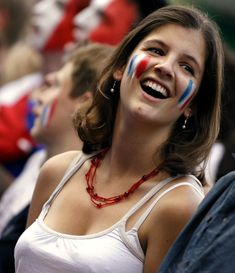 If we can have a tournament on which Euro 2012 countries that has the most beautiful female fans of all, which country will you pick to win it all? Here are the lovely and beautiful female fans from France (don't forget to vote). Soccer World, Soccer Fans, Football Fans, Hot Fan, Belle France, Football Girls, Female Football, Euro 2012, International Football