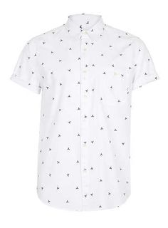 White short sleeved shirt with geometric patterns