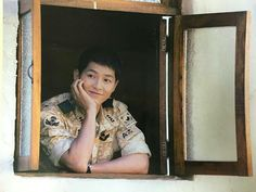 Yoo Shi-jin Song Joong-ki Descendants of the sun Song Joong Ki Dots, Descendants Of The Sun Wallpaper, Song Joong Ki Birthday, Soon Joong Ki, Decendants Of The Sun, Sun Song, Songsong Couple, Korean Drama Series, Best Kdrama