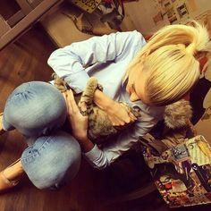 Luana vjollca with a wonderful cat